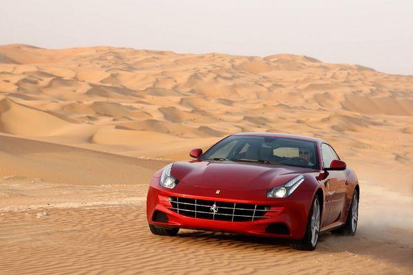 Ferrari FF Çöl Ön
