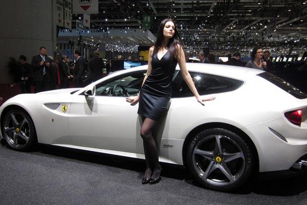 Ferrari FF Model Yan
