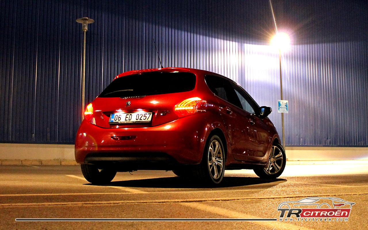 Peugeot 208 Arka Görünüş